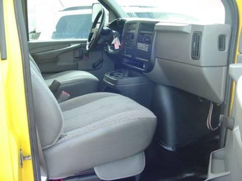 2007 GMC Savana Passenger for sale in Roseville, MI