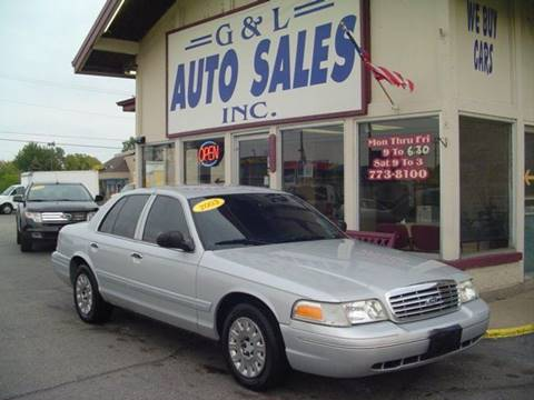 2003 Ford Crown Victoria for sale in Roseville, MI