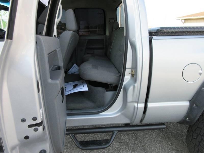 2006 Dodge Ram Pickup 2500 SLT 4dr Quad Cab 4WD SB - Fort Wayne IN