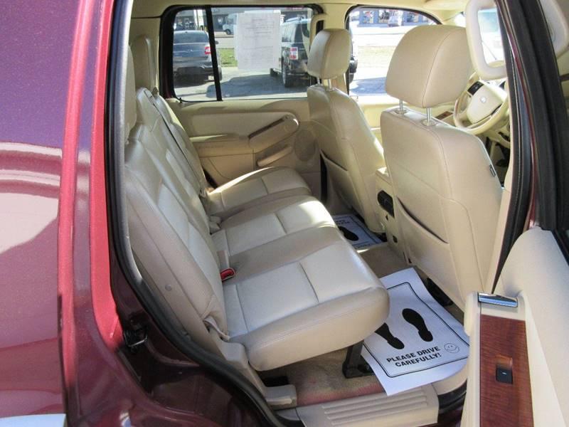 2006 Ford Explorer Eddie Bauer 4dr SUV 4WD w/V6 - Fort Wayne IN