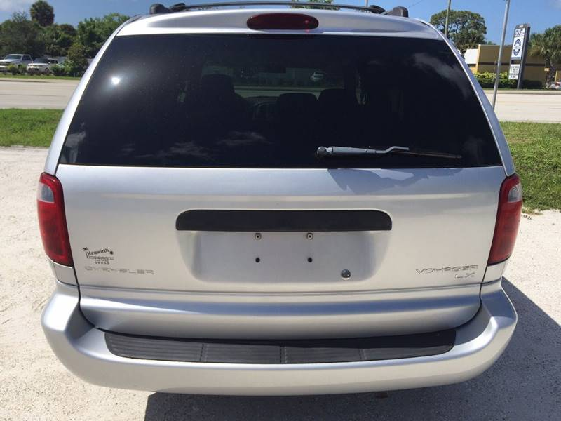 2003 Chrysler Voyager LX Value 4dr Mini-Van - Englewood FL