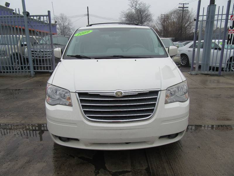 2009 chrysler town and country touring mini van 4dr in detroit mi empire auto sales. Black Bedroom Furniture Sets. Home Design Ideas