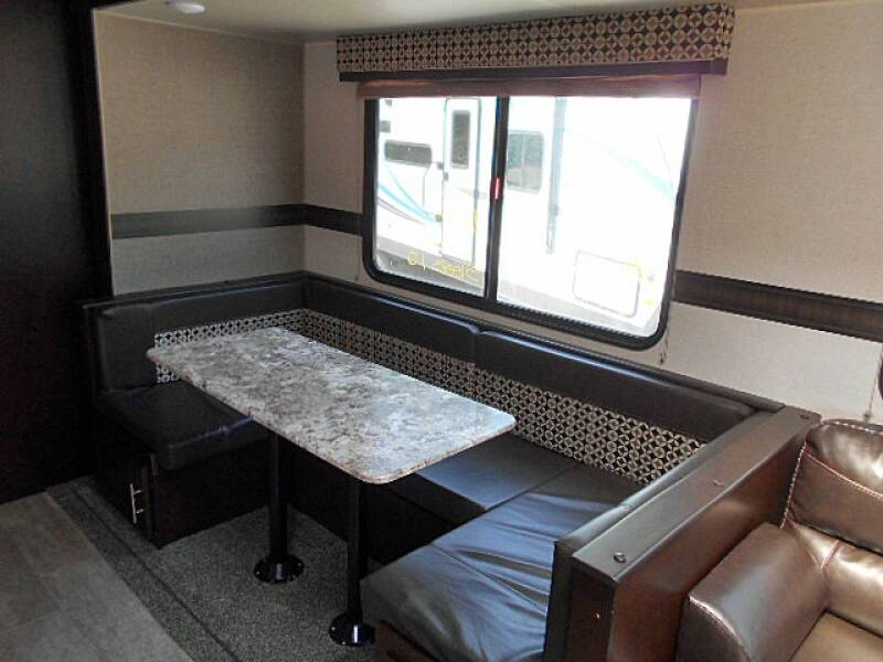 2019 KZ Sportsmen 323BHK Bunkhouse - 32 Ft - 3 Slides - Out Kitchen - Rockville IN