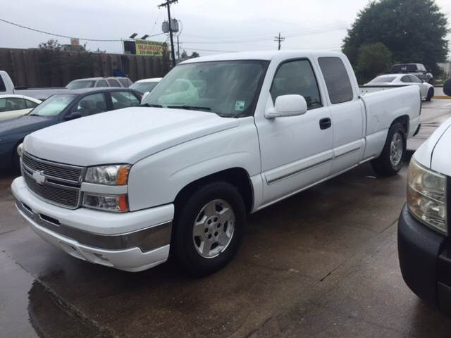 2006 CHEVROLET SILVERADO 1500 LS 4DR EXTENDED CAB 65 FT SB white this chevy c1500 extended cab
