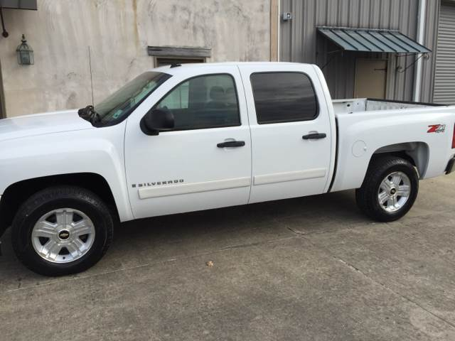 2008 CHEVROLET SILVERADO 1500 LT1 4WD 4DR CREW CAB 58 FT SB white super clean z71 one owner