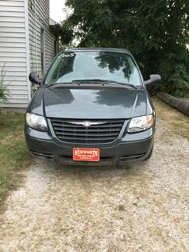 2005 Chrysler Town and Country for sale in Byesville, OH