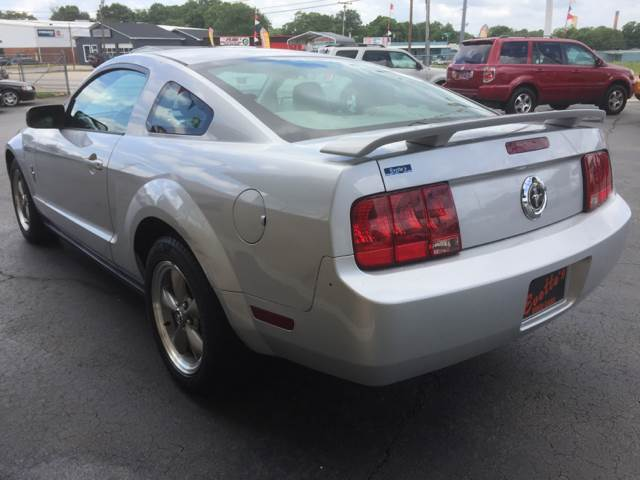 2006 Ford Mustang V6 Standard 2dr Coupe - Greenville SC