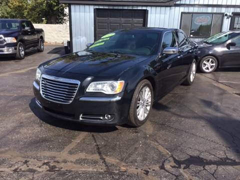 2013 Chrysler 300 for sale in Pontiac, MI