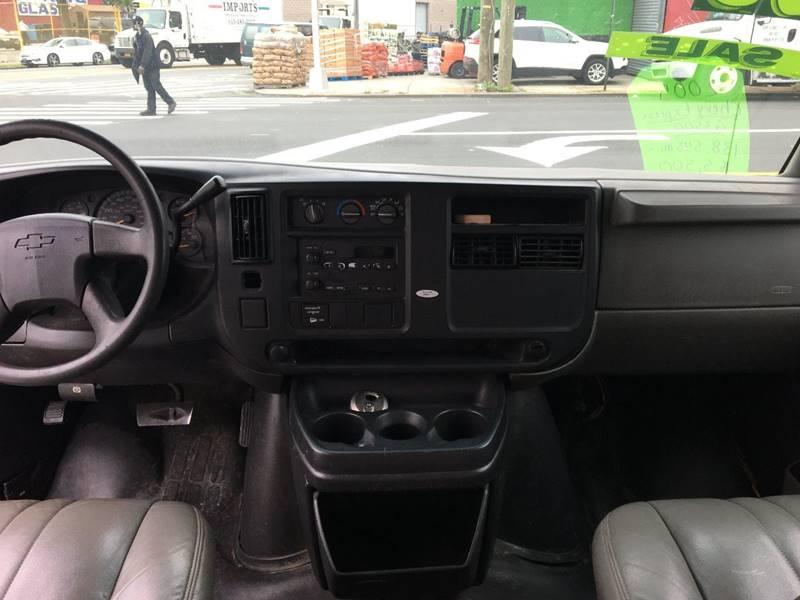 2005 Chevrolet Express Cargo 3500 3dr Van - Bronx NY