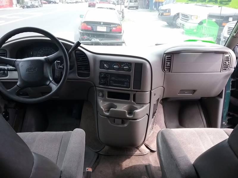 2000 Chevrolet Astro AWD 3dr Extended Mini-Van - Bronx NY