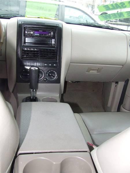 2006 Ford Explorer XLT 4dr SUV 4WD w/V6 - Bronx NY