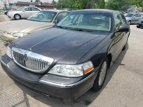 2005 Lincoln Town Car for sale in Indianapolis, IN