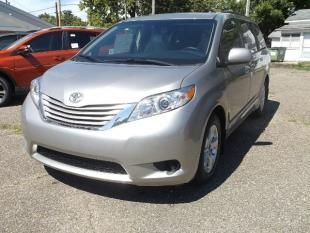 2017 Toyota Sienna for sale in Logan, OH