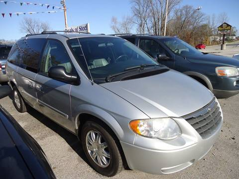 2005 Chrysler Town and Country for sale in Lake Station, IN