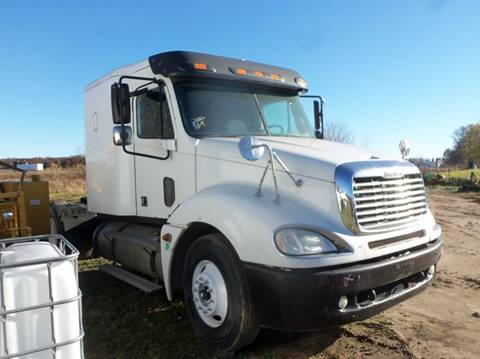2006 Freightliner Columbia for sale in Isanti, MN
