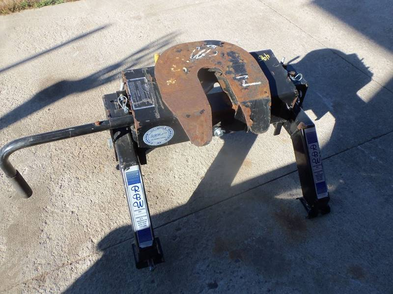 RBW 15000 lb  5th wheel hitch for sale at Buck's Toys & Tires in Isanti MN