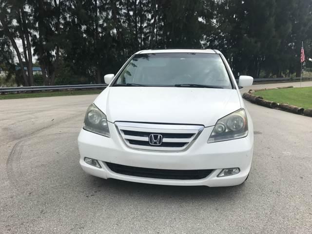 2005 Honda Odyssey Touring Mini-Van 4dr w/DVD and Navi - Davie FL