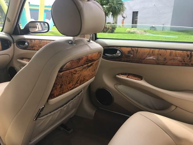 2000 Jaguar XJ-Series Vanden Plas 4dr Sedan - Davie FL