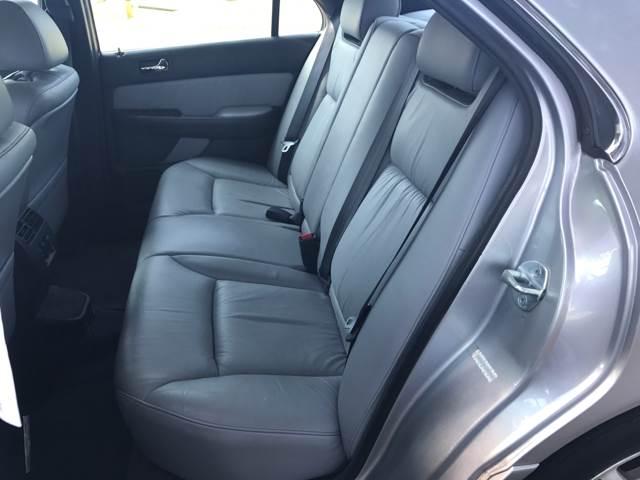 2004 Acura RL 3.5 4dr Sedan w/Navi - Davie FL