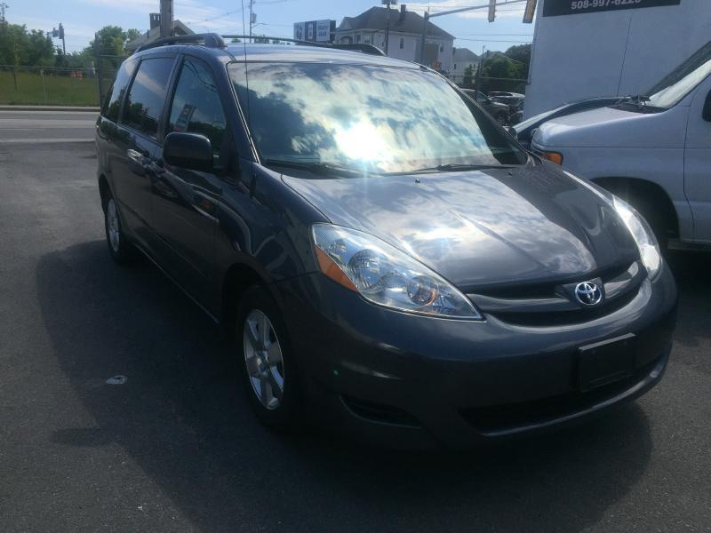 2008 Toyota Sienna LE - New Bedford MA