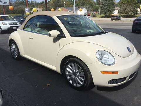 2010 Volkswagen New Beetle for sale in Knoxville, TN