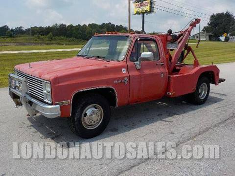 1985 GMC Dually Wrecker