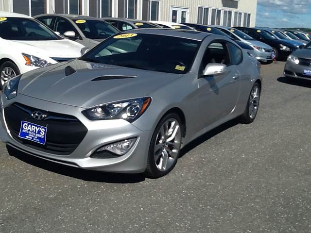 2013 hyundai genesis coupe 3 8 grand touring 2dr coupe in caribou me garys sales svc. Black Bedroom Furniture Sets. Home Design Ideas