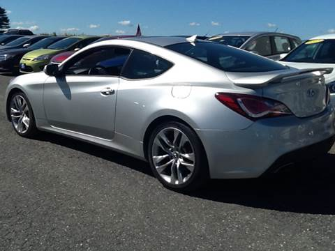 2013 Hyundai Genesis Coupe for sale at Garys Sales & SVC in Caribou ME