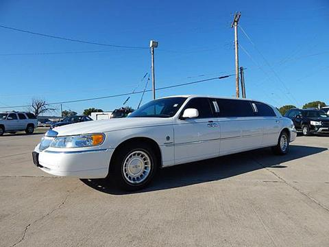 2001 Lincoln Town Car for sale in Moore, OK