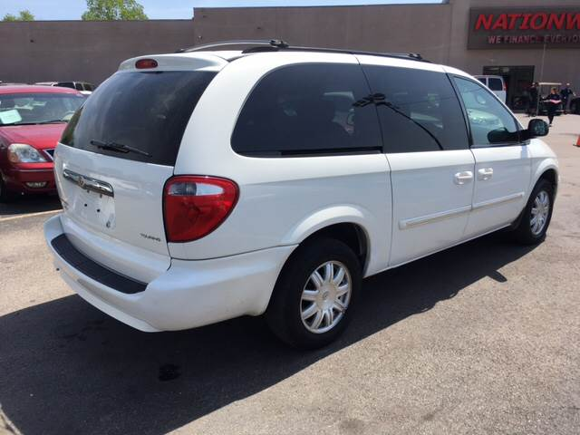 2007 Chrysler Town and Country Touring 4dr Extended Mini-Van - Oregon OH