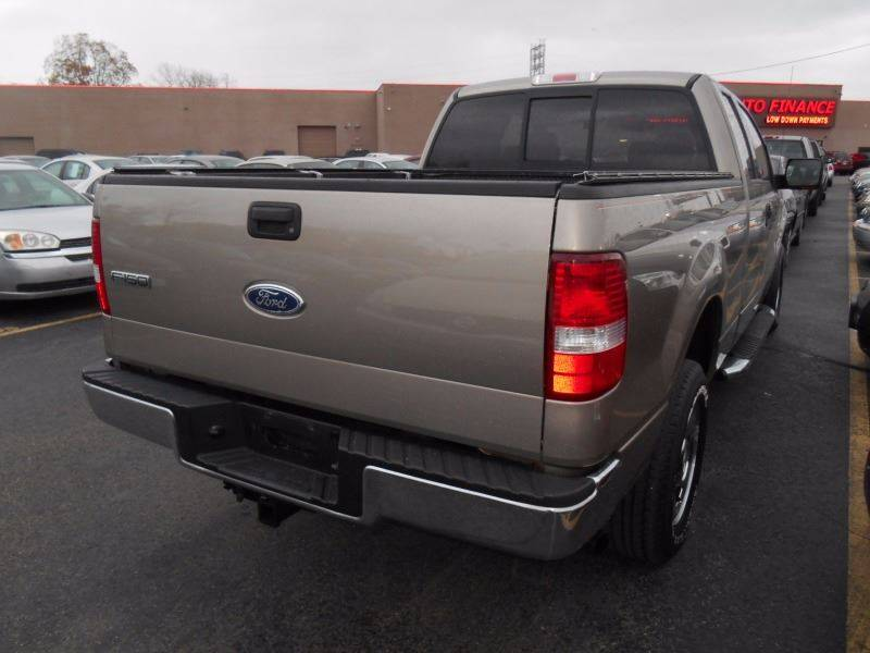 2004 Ford F-150 4dr SuperCab XLT 4WD Styleside 6.5 ft. SB - Oregon OH