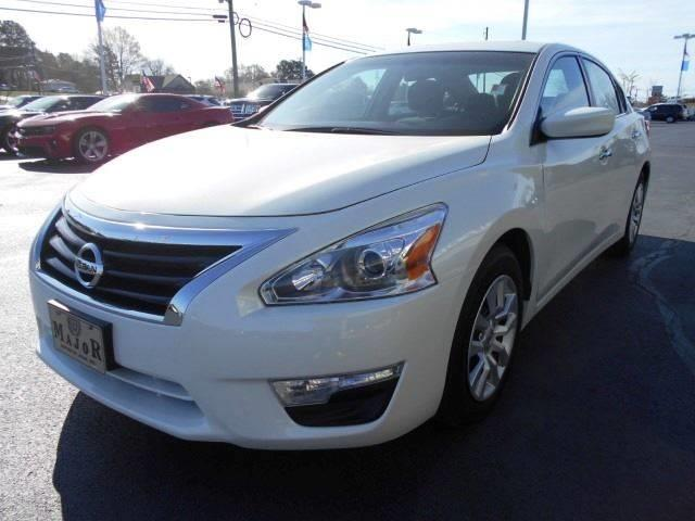 2015 Nissan Altima 2.5 S 4dr Sedan - Arab AL