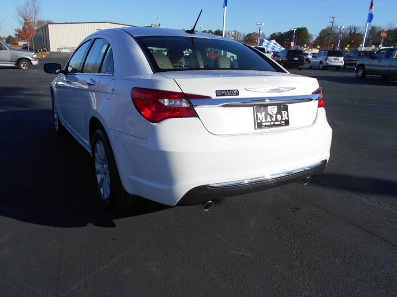 2014 Chrysler 200 Limited 4dr Sedan - Arab AL