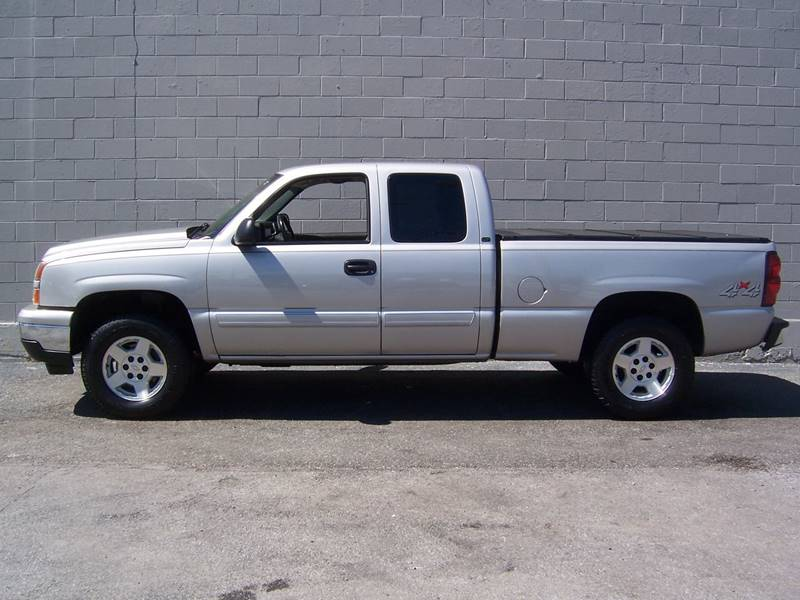 2006 Chevrolet Silverado 1500 for sale at Gambacorta Motors Inc. in Townsend DE