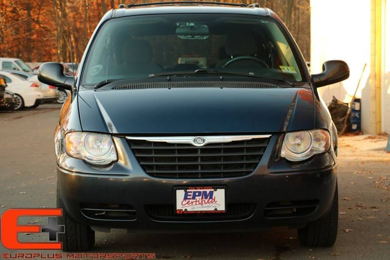 2007 Chrysler Town and Country Touring 4dr Extended Mini-Van - Somerset NJ
