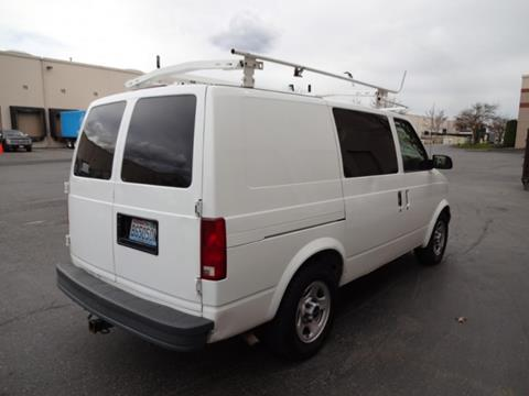 2003 GMC Safari Cargo