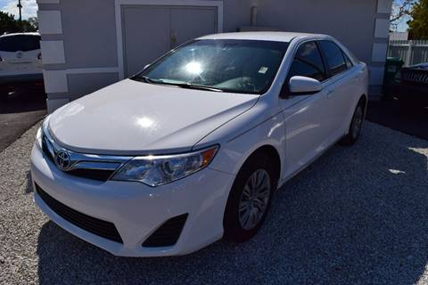 2014 Toyota Camry for sale in Hollywood, FL