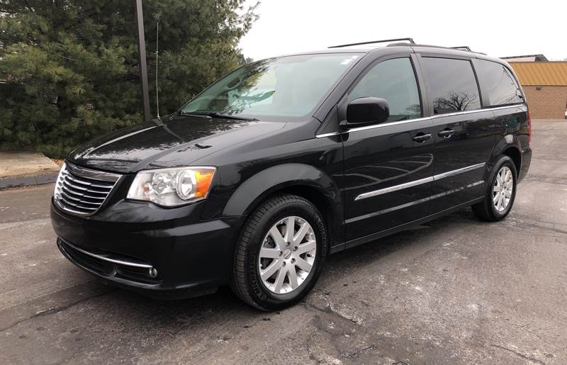 2013 Chrysler Town and Country Touring 4dr Mini-Van - Branford CT