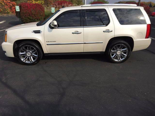 2011 Cadillac Escalade AWD Platinum Edition 4dr SUV - Branford CT