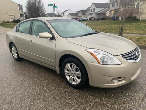 2010 Nissan Altima for sale at Via Roma Auto Sales in Columbus OH