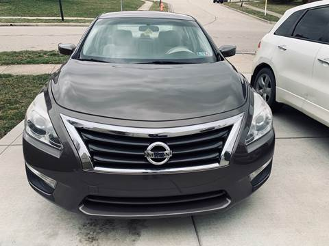 2013 Nissan Altima for sale at Via Roma Auto Sales in Columbus OH