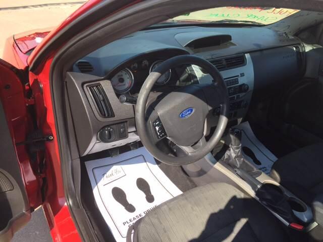 2009 Ford Focus SE 4dr Sedan - Eldridge IA