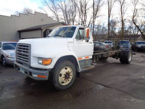 1998 Ford F-800 for sale in Austin, MN