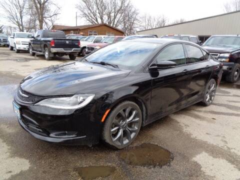 2015 Chrysler 200 S for sale at COUNTRYSIDE AUTO INC in Austin MN