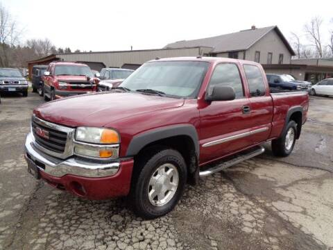 2005 GMC Sierra 1500 SLT for sale at COUNTRYSIDE AUTO INC in Austin MN