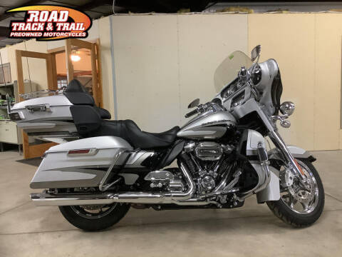 2017 Harley-Davidson® FLHTKSE - CVO™ Limited for sale at Road Track and Trail in Big Bend WI