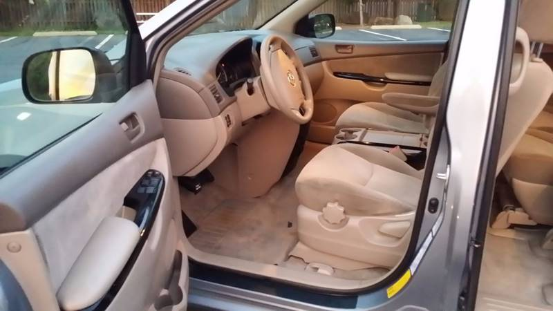2004 Toyota Sienna LE 7-Passenger 4dr Mini-Van - Warrenton VA