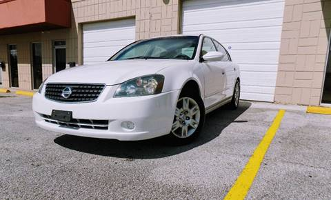 2005 Nissan Altima for sale at CTN MOTORS in Houston TX