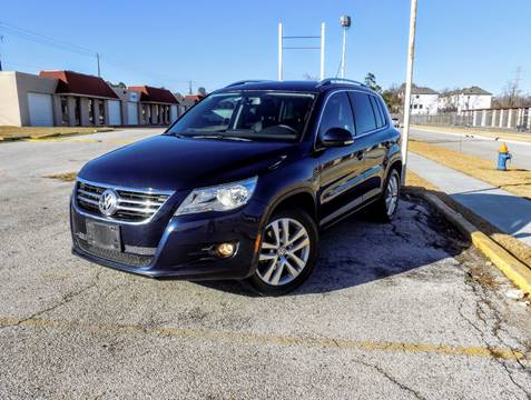 2011 Volkswagen Tiguan for sale at CTN MOTORS in Houston TX