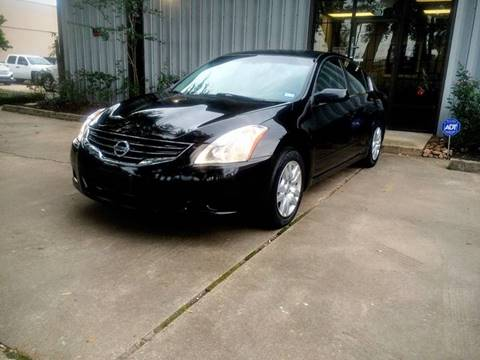2010 Nissan Altima for sale at CTN MOTORS in Houston TX
